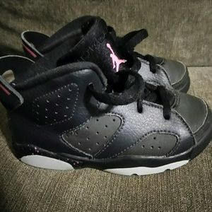 Girls Jordan 6 Retro